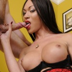 Latina Shemale TS Mia Isabella get her rocks off